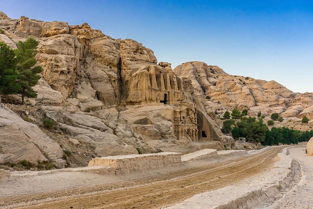 Yellow Obelisk Tomb Bab el-siq Triclinium Outer Siq Canyon Hikin, Petra